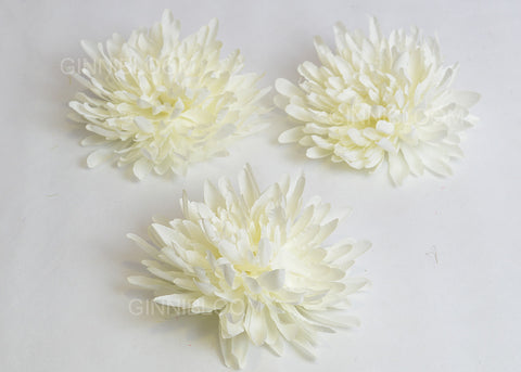 ARTIFICIAL CHRYSANTHEMUM HEAD - WHITE (WHOLESALE PACK OF 500 HEADS @ RS. 13.00 EACH)
