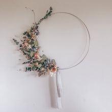 Load image into Gallery viewer, Dried Flower Hoop Wreath