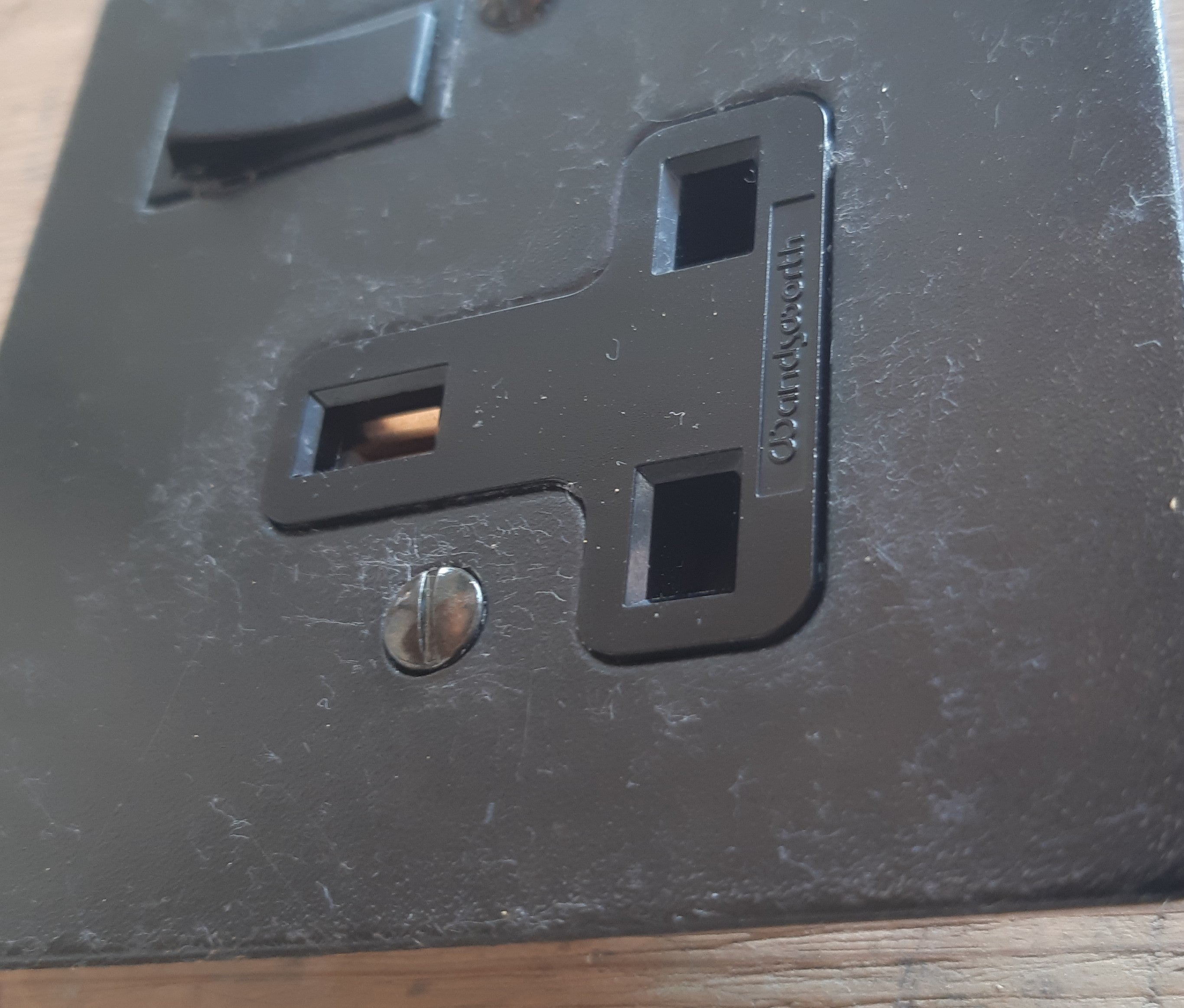 Fused Switch Connector with Outlet