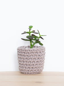 Mini crochet cotton sustainable eco plant pot - pearl grey | Knttd