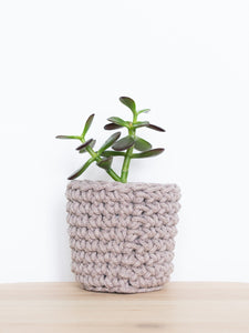 Back view - Mini crochet cotton sustainable eco plant pot - pearl grey | Knttd
