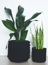 Load image into Gallery viewer, Medium eco plant pot - black - Knttd