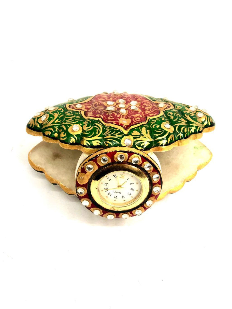 Seashell Shaped Clock With Kundan Artwork On Marble Utility Tamrapatra