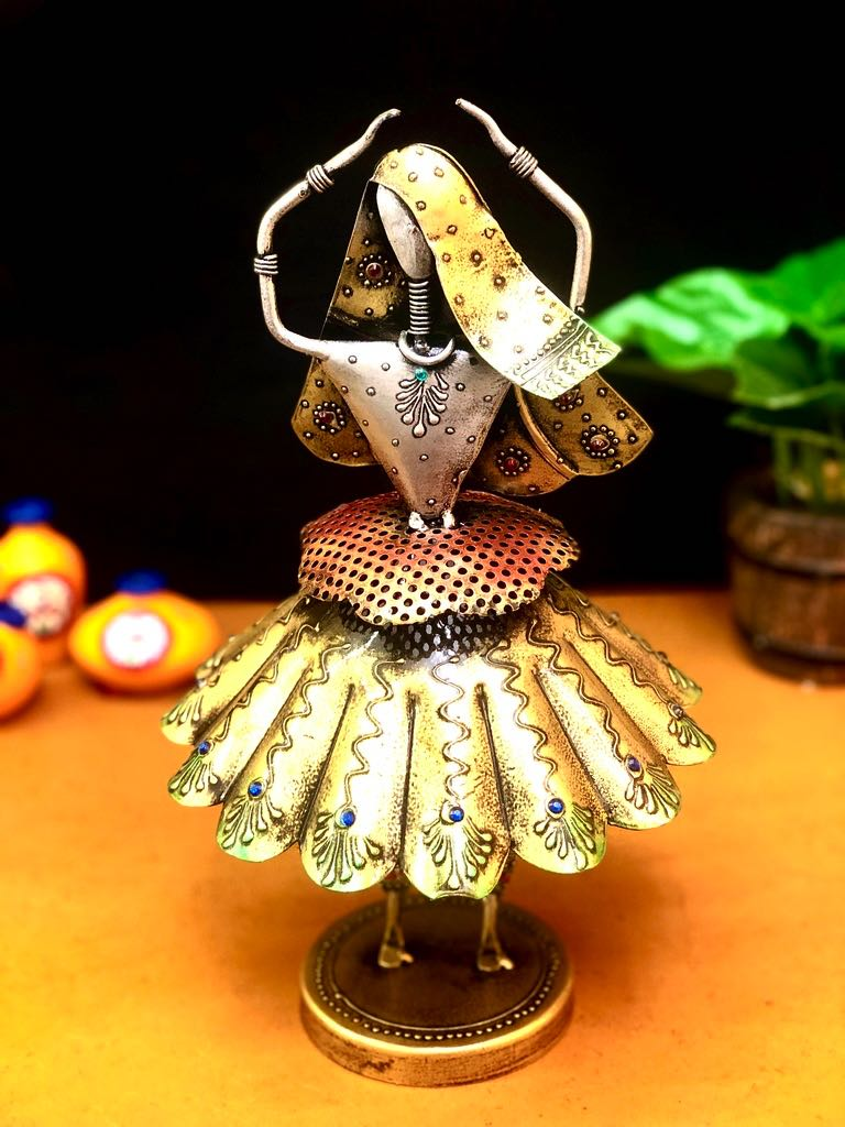 Dancing Doll In Navratri Style With Traditional Outfit Metal Tamrapatra - Tanariri Hastakala