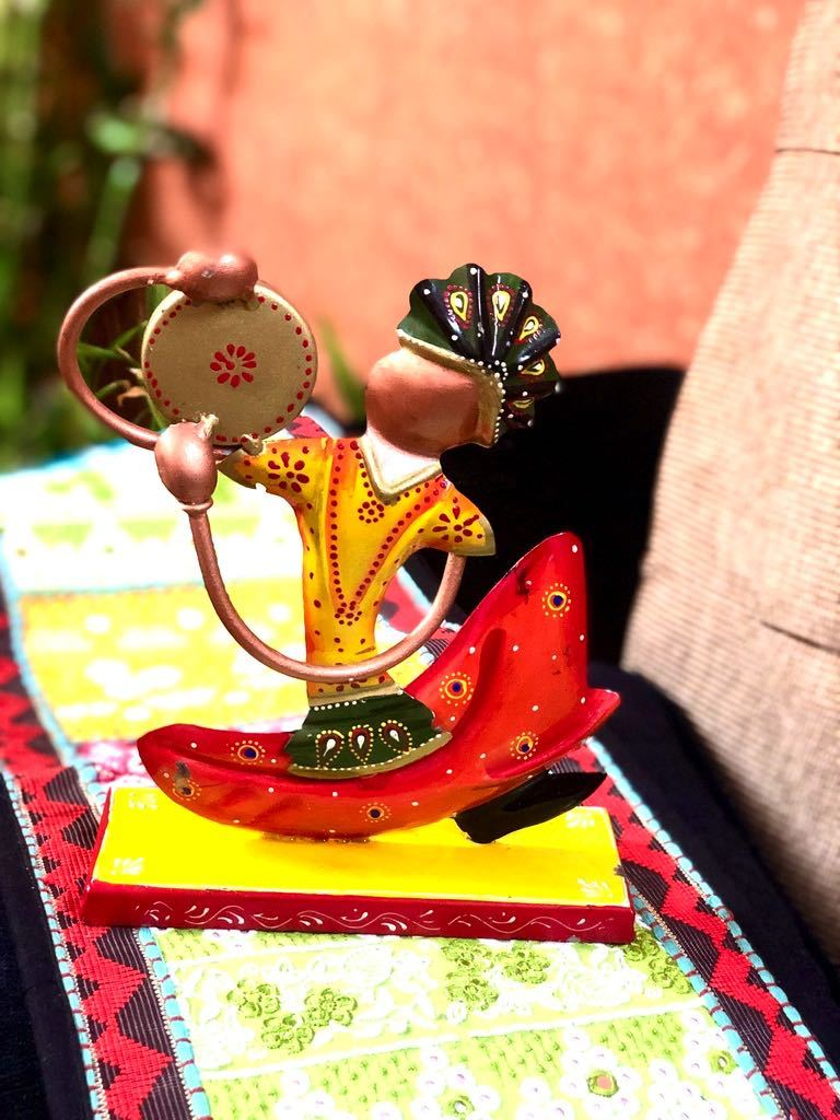Musician Nagpuri Style Metal Decoration Hand Painted By Tamrapatra - Tanariri Hastakala