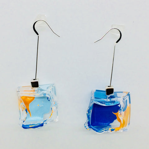 New Clear Node Art Cube Earrings.01