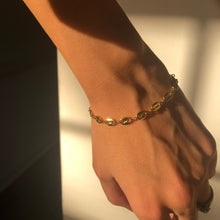 Load image into Gallery viewer, Gucci Chain Link Bracelet