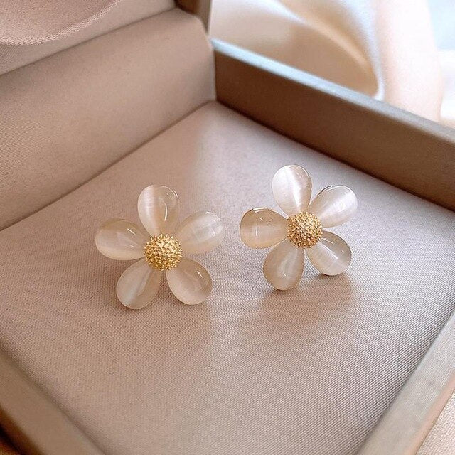 Elegant Stud Rhinestone Flower earrings