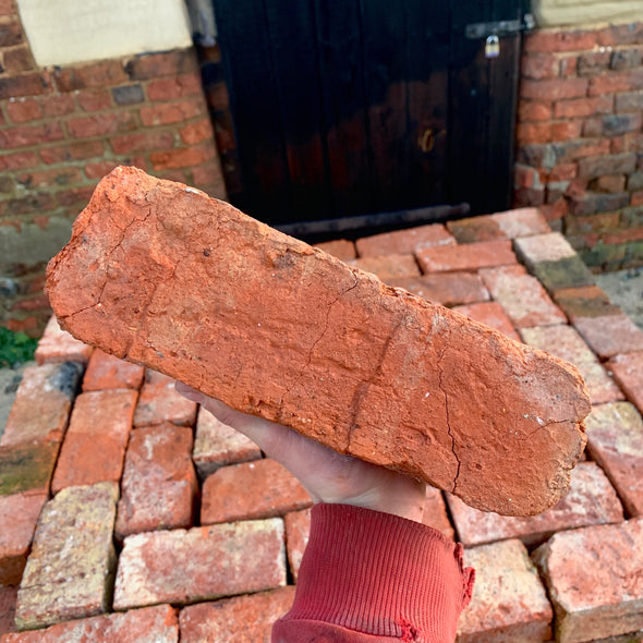 Tudor Handmade Wire Cut Reclaimed Bricks | Pack of 250 Bricks
