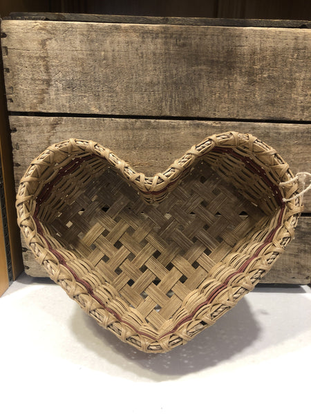 Sweetheart of a basket, approximately 2 qt size - lovely table top textile, perfect for dinner rolls, cookies, jam assortment, or whatever your heart desires. Locally made in the Hudson Valley by master basket weaver, Mary Ann Williams.