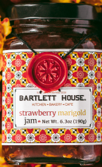 Ingredients: Strawberries, sugar, marigolds, peppers, pectin  Net Wt. 6.3 oz (190g)  Made in the Hudson Valley
