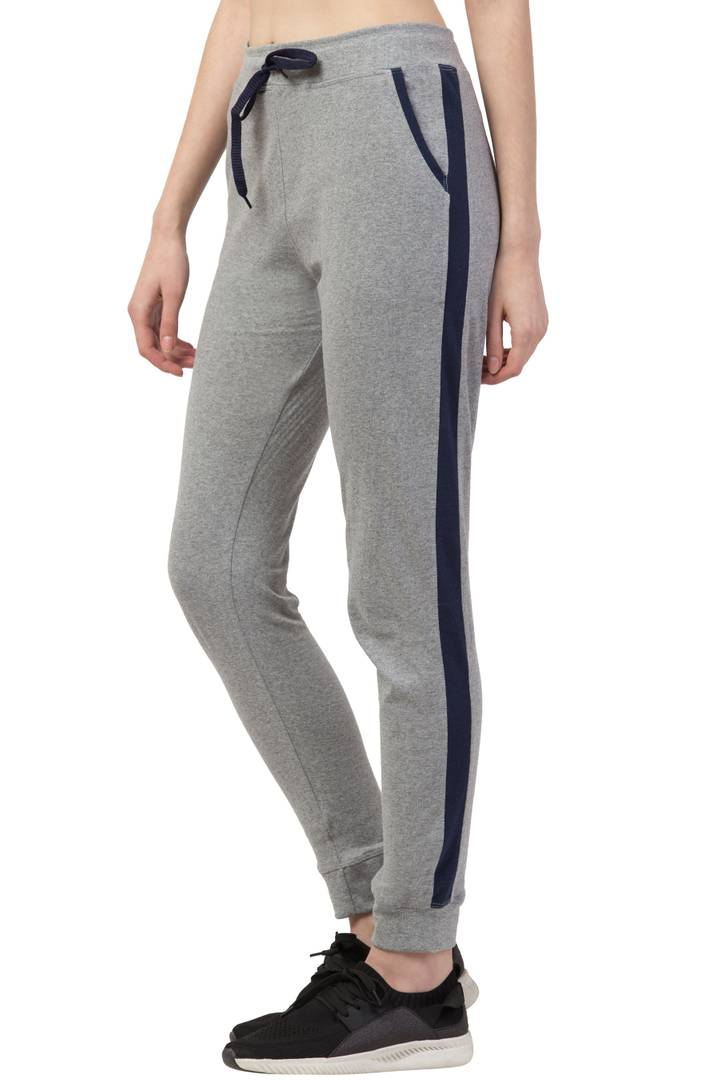Ravishing Grey Solid Cotton Women Track Pant