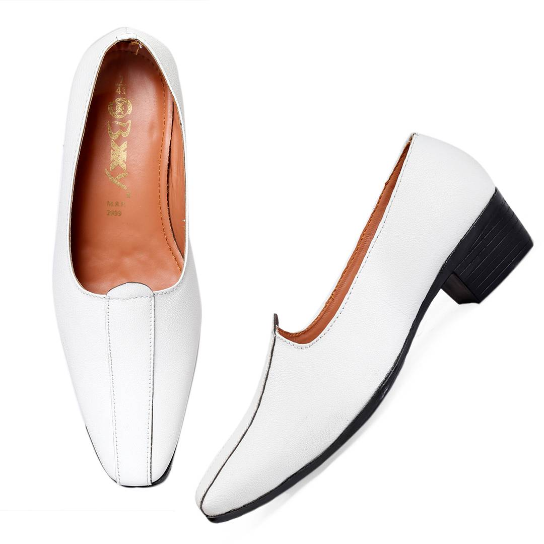Fashionable White Synthetic Leather Mojaris For Men