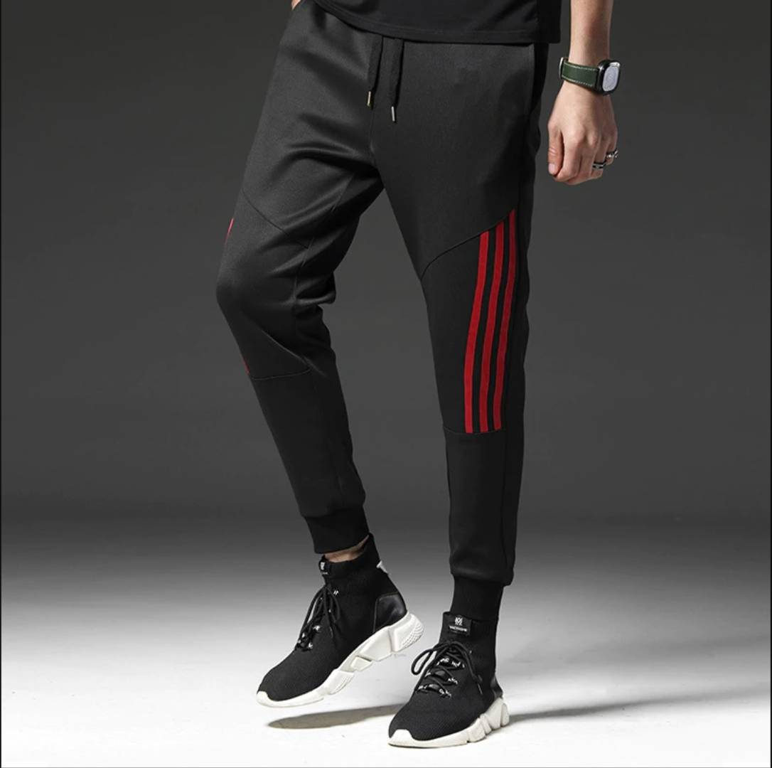 Men's Black Polyester Self Pattern Slim Fit Regular Track Pants