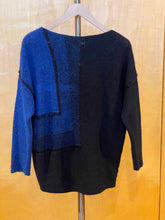 Load image into Gallery viewer, Sarah Pacini Sweater Black Blue