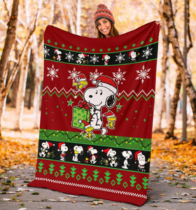 Red Snoopy Christmas Blanket