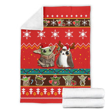Load image into Gallery viewer, Red Baby Yoda Christmas Blanket