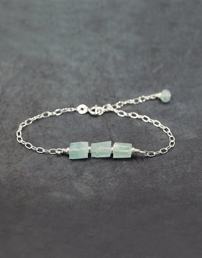 Sterling silver bracelet with raw agate and sterling silver beads.