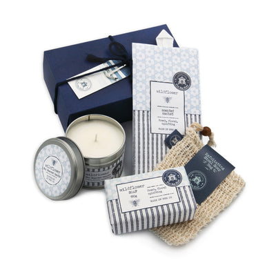 The Sea Shed Wildflower Medium gift box CONTENTS: Wildflower soap 190g, Wildflower soy scented candle tin, Wildflower scented sachet and an exfoliating, sisal soap bag.