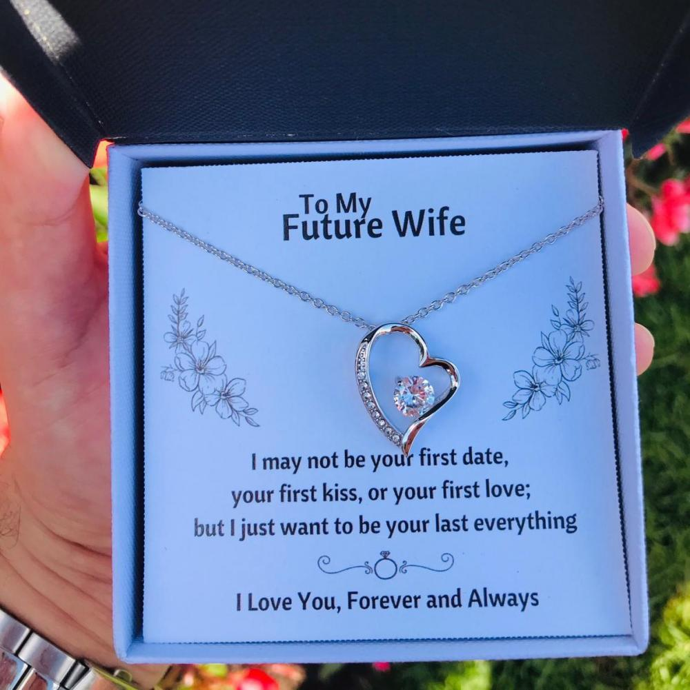 TO MY FUTURE WIFE HEART NECKLACE GIFT SET - ON CLOUD NINE GIFTS