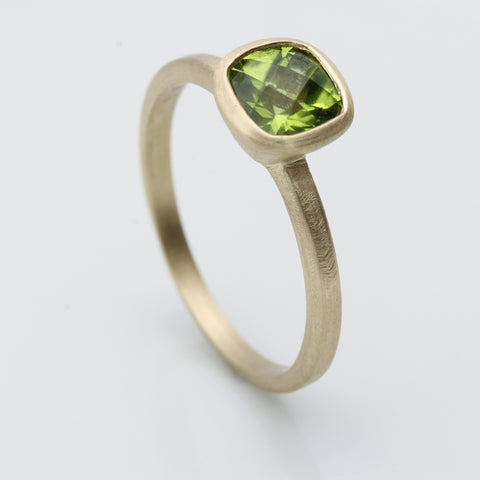 14k Yellow Gold and Peridot Ring
