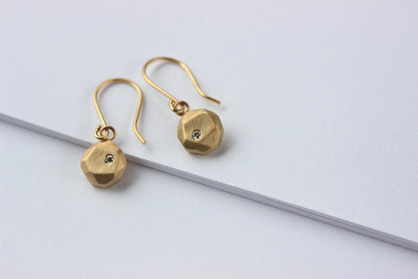 Diamond Round Faceted Dangle Earrings, made from recycled gold and conflict free diamonds, eco-friendly and ethical - Aide-memoire Jewelry