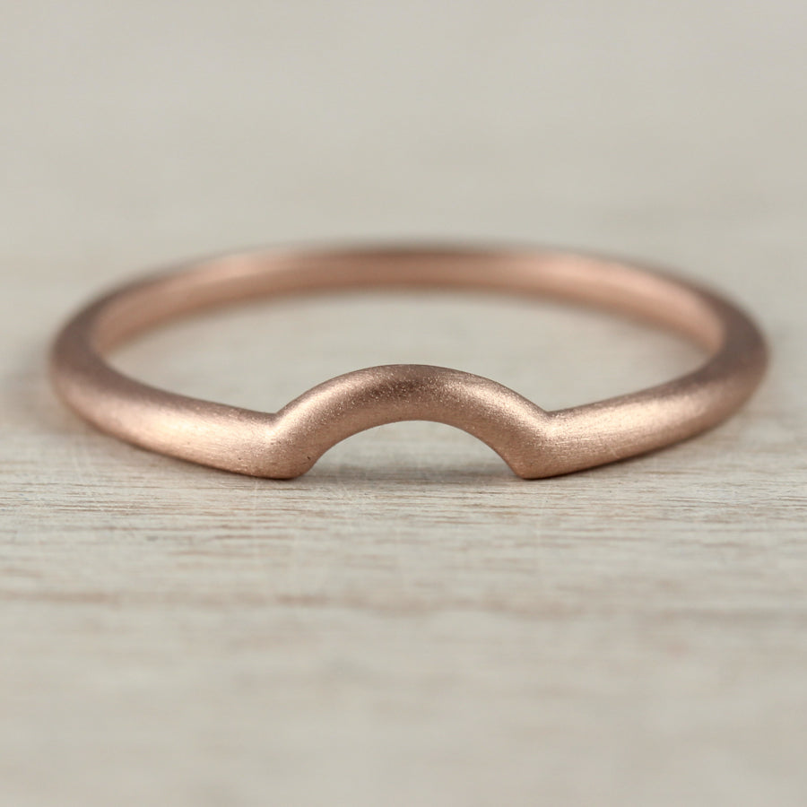 Half Circle Contour Shadow Band, Women's Wedding Band - Aide-mémoire Jewelry