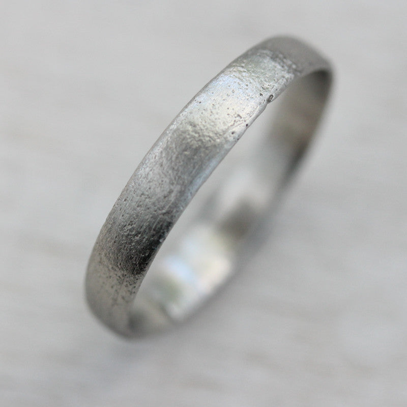 3mm Wide Ancient Rustic Textured Band, Women's Wedding Band - Aide-mémoire Jewelry