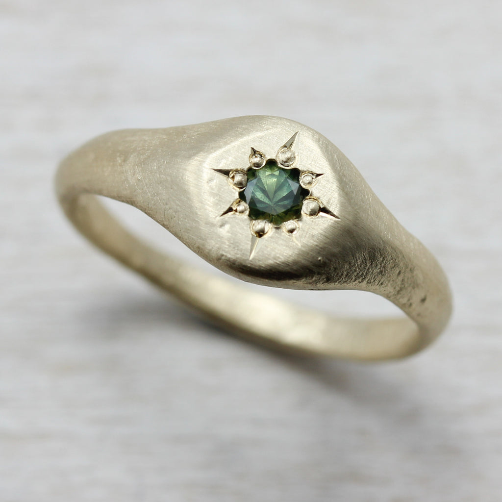 Yellow Gold Signet Ring with Green Australian Sapphire, Engagement Ring - Aide-mémoire Jewelry