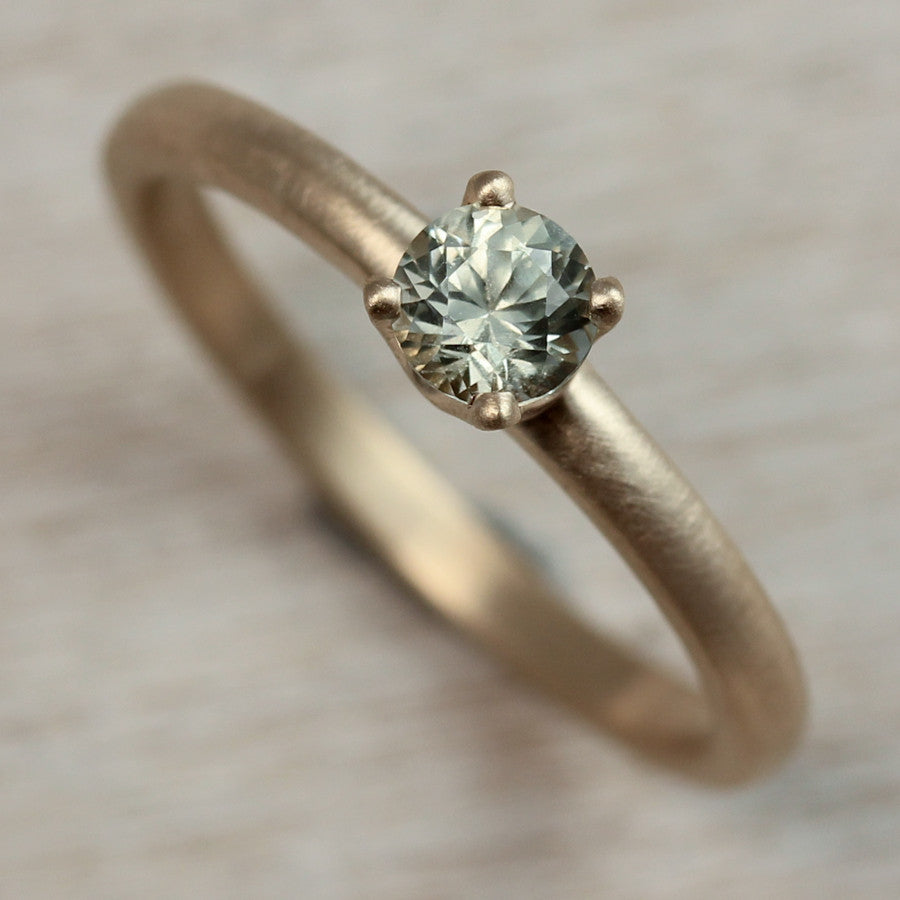 Light Green Sapphire and 14k Yellow Gold Solitaire Ring, Engagement Ring - Aide-mémoire Jewelry
