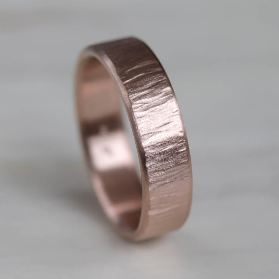 Men's Edgeless Wood Textured Band <7.5, Men's Wedding Bands - Aide-mémoire Jewelry
