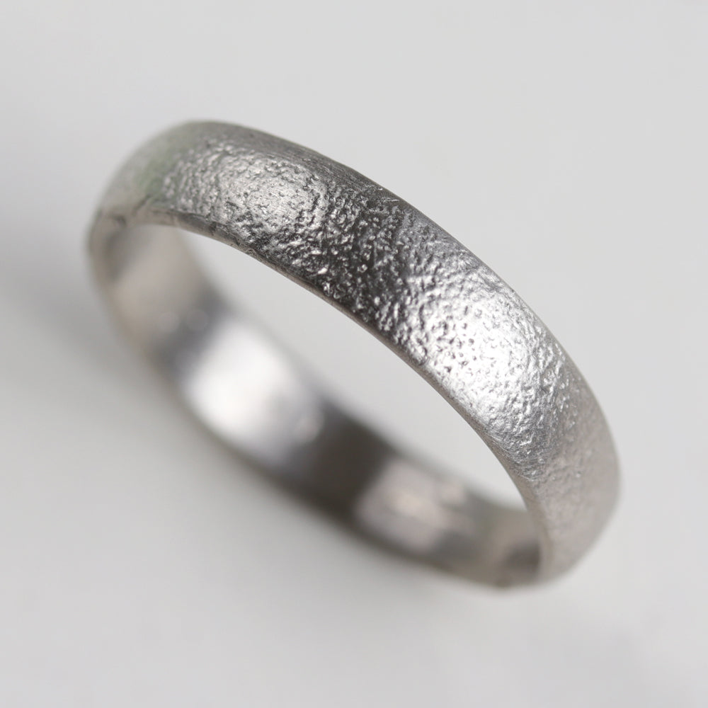 5mm Wide Ancient Textured Band •