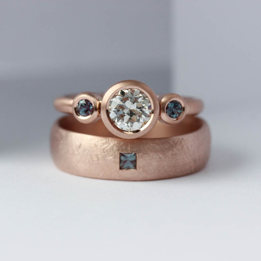 Alexandrite & Rose Gold Wedding Band Set, Engagement Ring - Aide-mémoire Jewelry