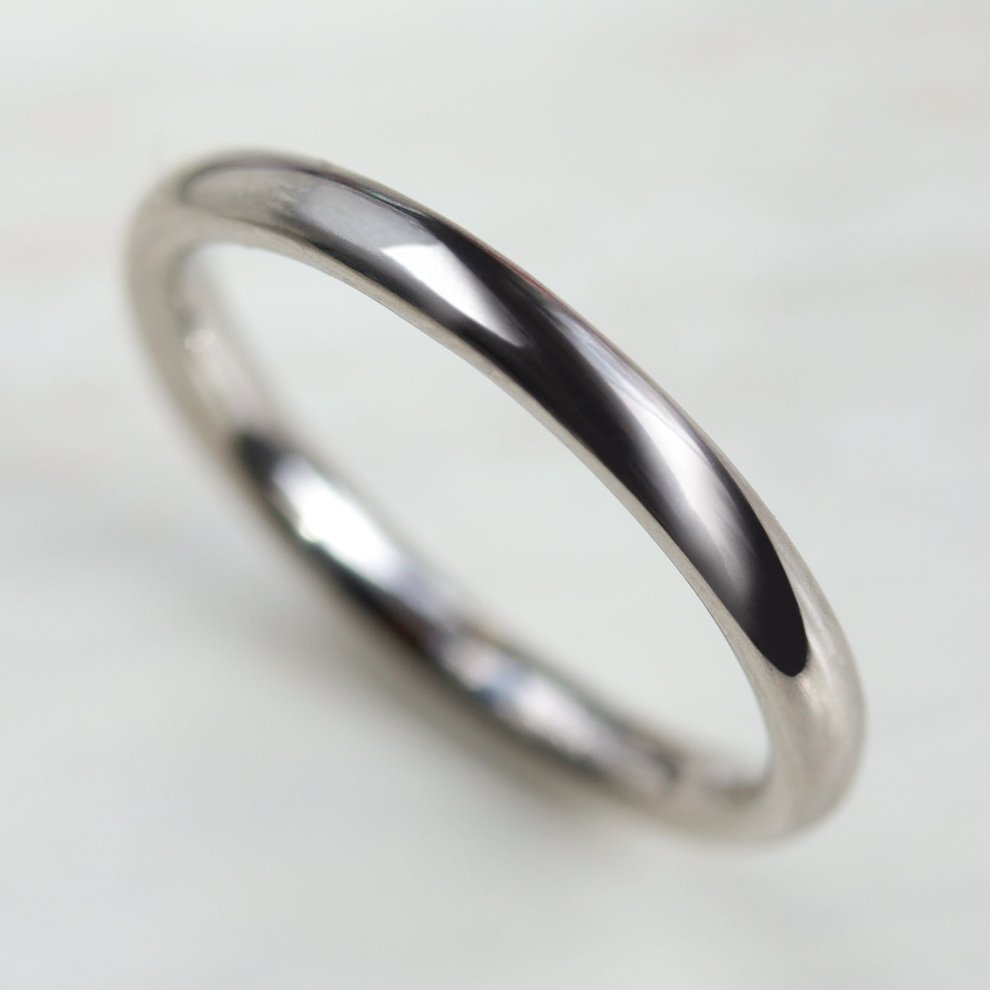 Narrow Chunky Hand-carved Classic Band •
