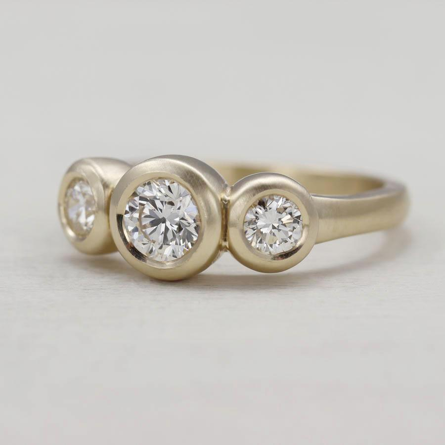 Custom Three Stone Ring, Engagement Ring - Aide-mémoire Jewelry
