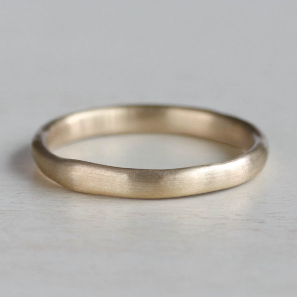 Flat Sculpted Stacking Ring, Wedding Band - Aide-mémoire Jewelry