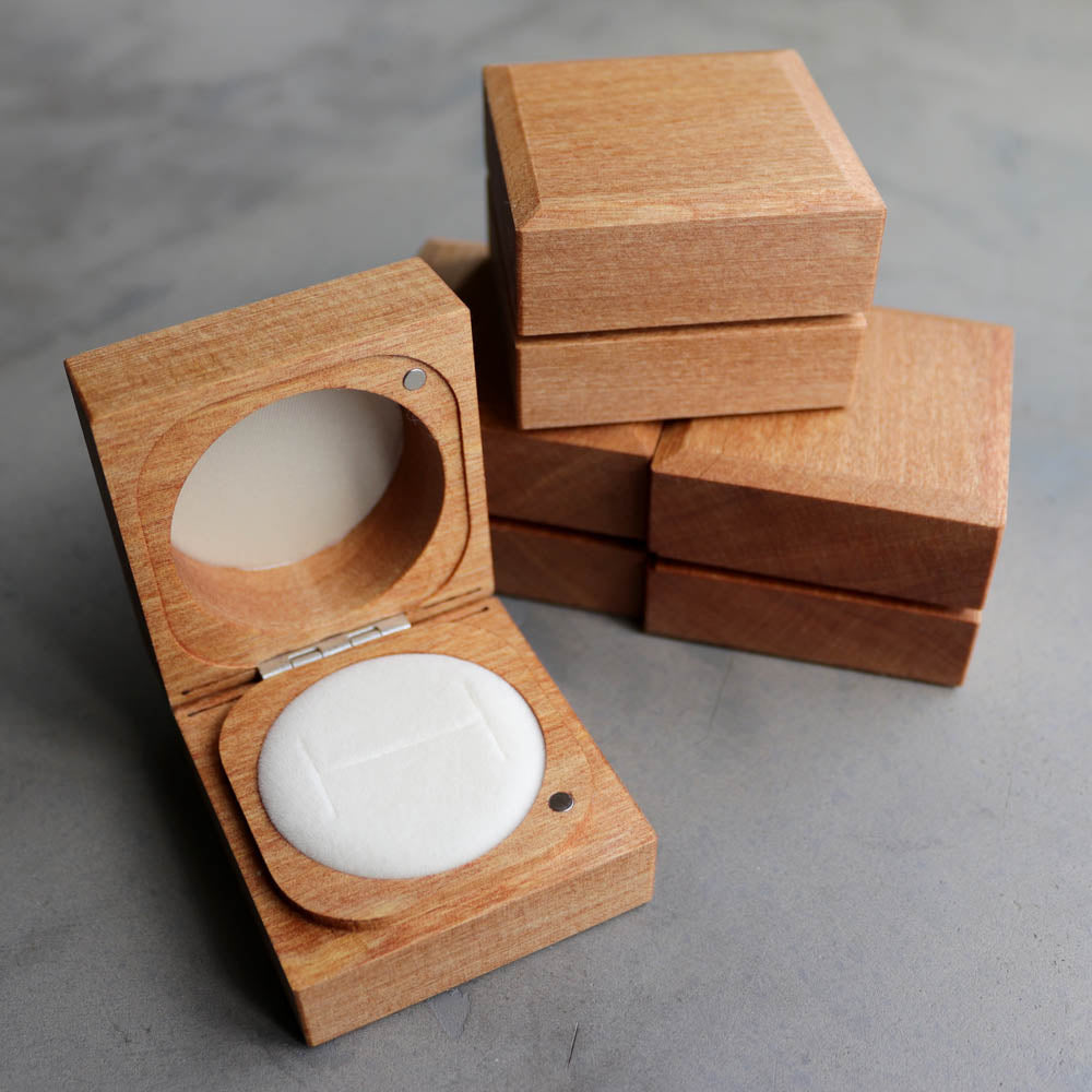 Handmade & Sustainable Rimu Ring Boxes, ring box - Aide-mémoire Jewelry