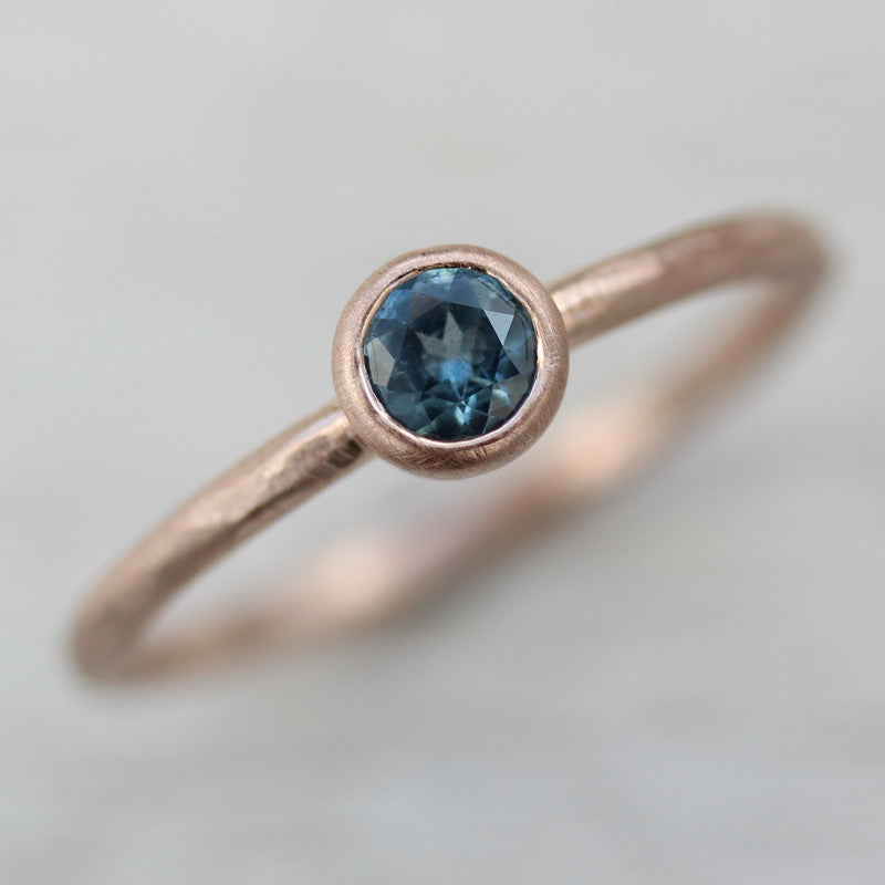 Blue Australian Sapphire set in Rose Gold, Engagement Ring - Aide-mémoire Jewelry