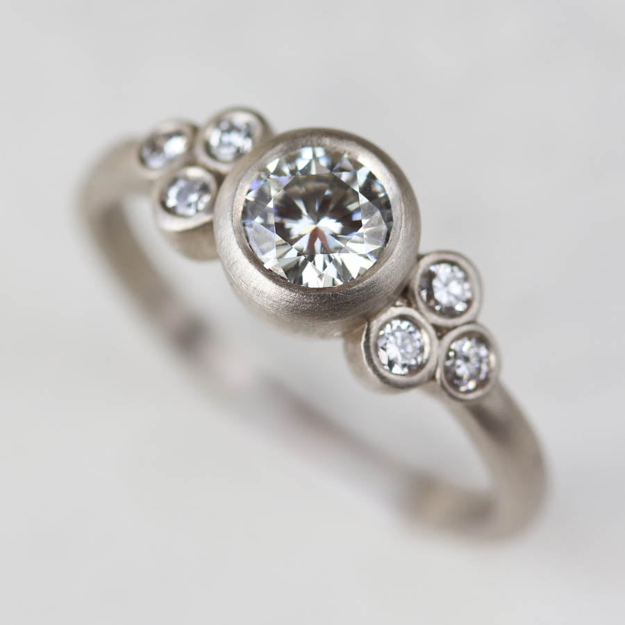 Seven Stone Cluster Ring >7.25, Engagement Ring - Aide-mémoire Jewelry