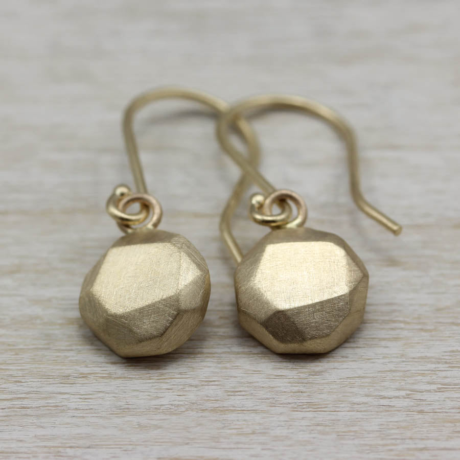 Round Faceted Dangle Earrings, Earrings - Aide-mémoire Jewelry