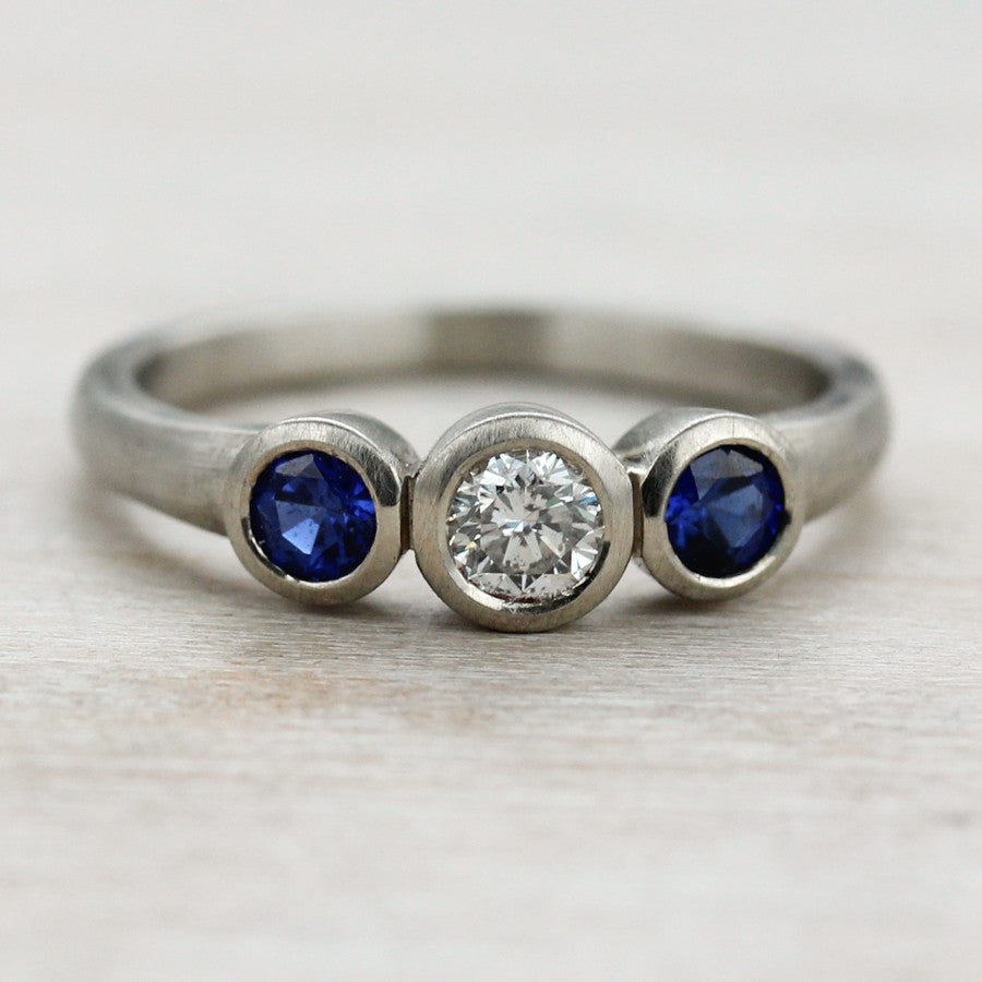 Blue Sapphire Three Stone Ring, Engagement Ring - Aide-mémoire Jewelry