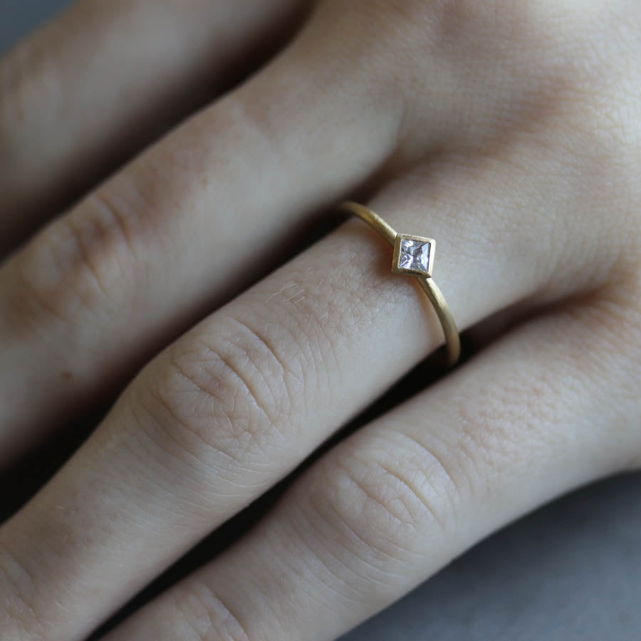 3mm Oblique Square Solitaire Engagement Ring, Engagement Ring - Aide-mémoire Jewelry