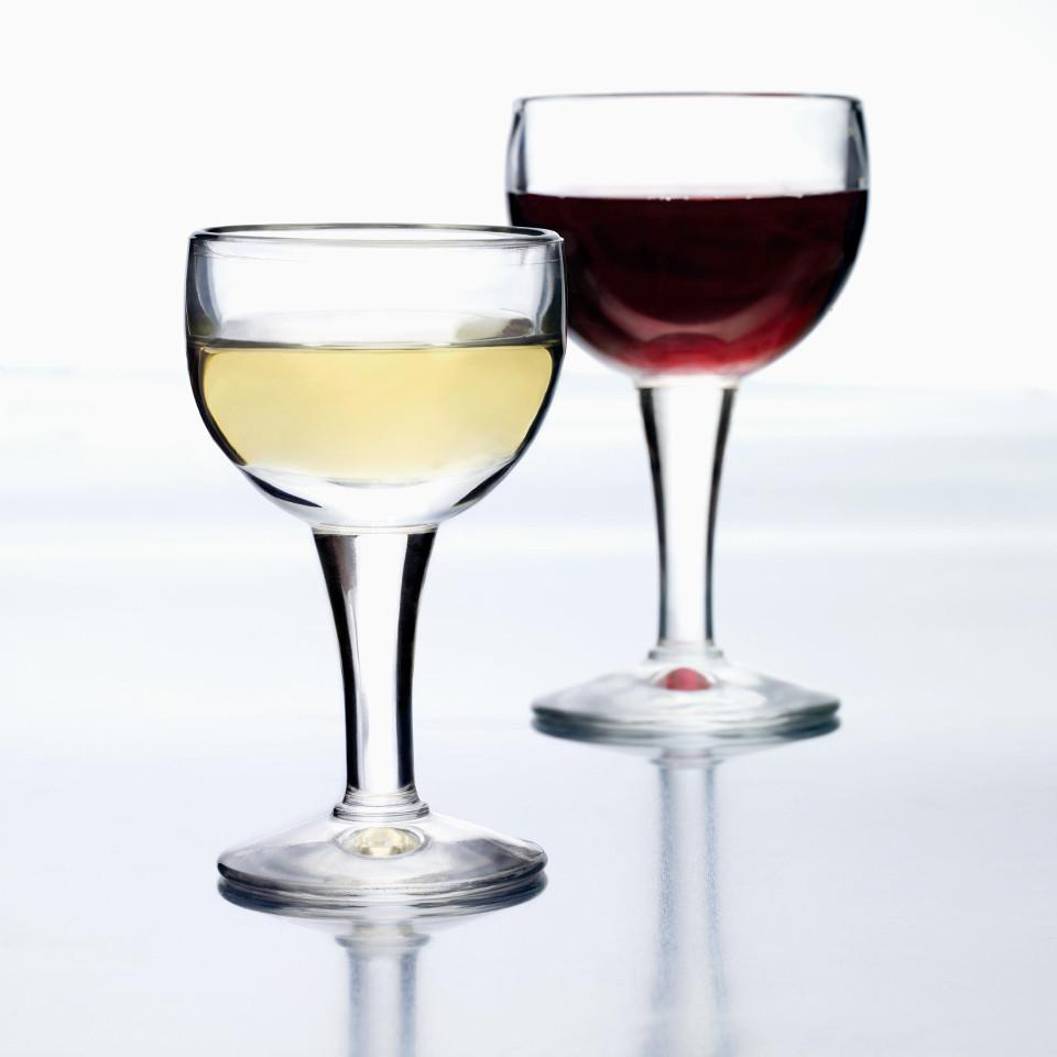Bistrot wine glasses, styled.