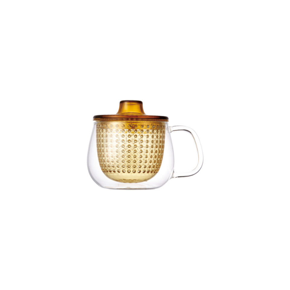 Unimug glass mug with yellow strainer and lid, for tea for one.