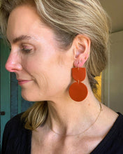 "Load image into Gallery viewer, Recycled Leather Earrings ""Mocu"""