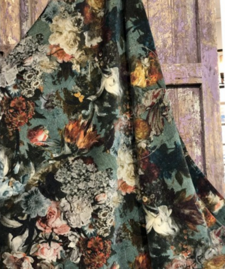 Patina Vie Velvet Floral Perfume Velvet Throw