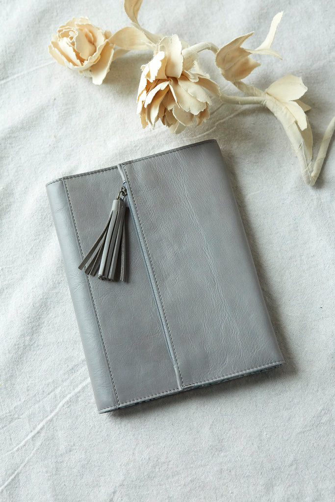 Patina Vie Clutch Journal