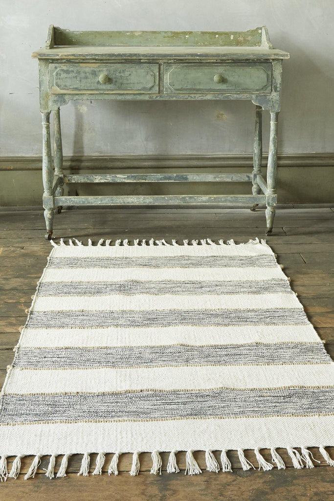 Natural Elegance Dark Grey Accent Rug - Patina Vie