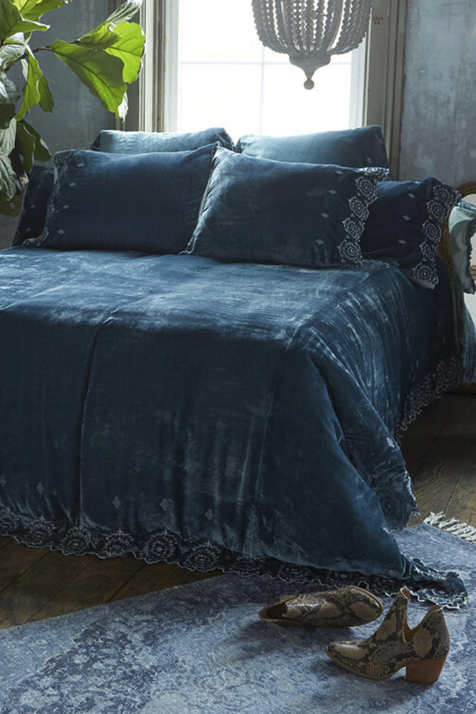 Patina Vie Arletta Teal Velvet Bedding