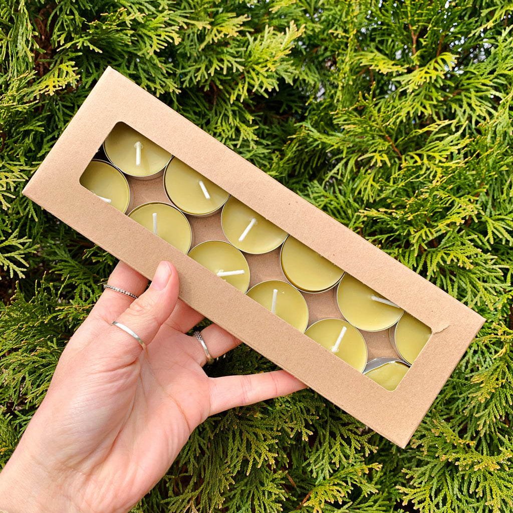 BOTANICALLY DYED ꩜ MOSS BEESWAX TEA-LIGHTS